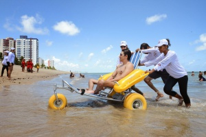 Niterói inaugura Projeto Praia sem Barreiras