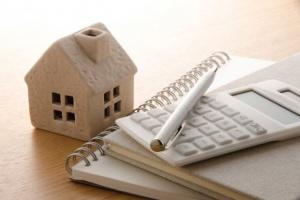 Férias: veja quais serviços vale a pena suspender no período em que estiver fora de casa
