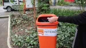 Niterói recebe mais de 800 papeleiras novas