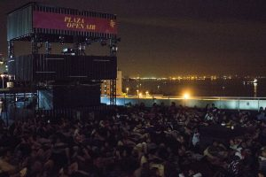 Cinema a céu aberto volta a Niterói
