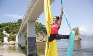Praia da Boa Viagem, em Niterói, o novo point de Niterói para os adeptos de ioga, highline e rapel