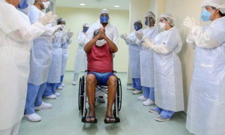 Hospital Oceânico dá alta aos primeiros pacientes de COVID-19