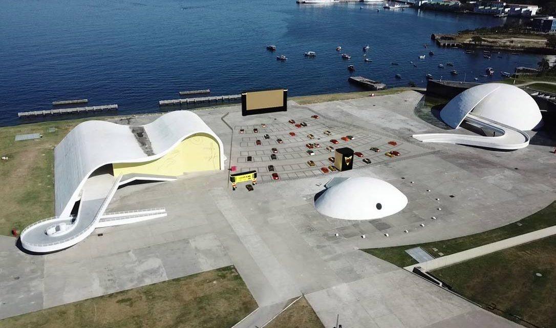 """Niterói vai receber cinema a céu aberto """"Drive-in"""" no Caminho Niemeyer"""