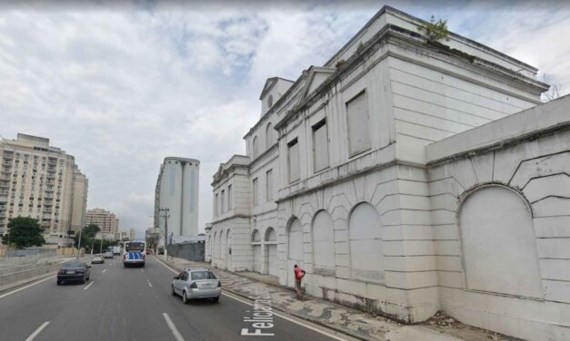 Antigo prédio da estação ferroviária de Niterói